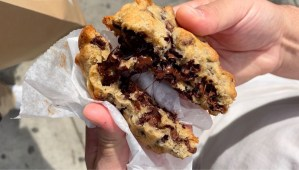 """Read more about the article Still Didn't taste a """"Levain"""" Cookie at New York City?"""