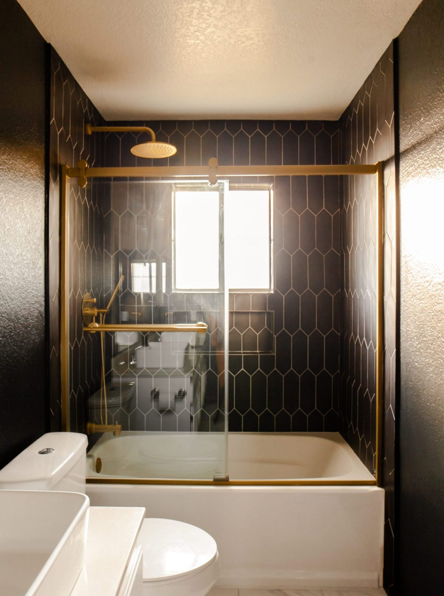 hallway bathroom update diy tub