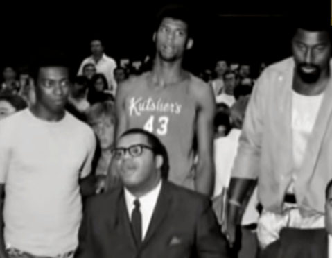 Robertson, Jabbar, Chamberlain κι ο Maurice στο ''Stokes Game