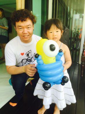 minion-balloon-sculptures-singapore