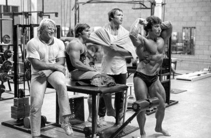 Frank Zane posing for Arnold and Draper
