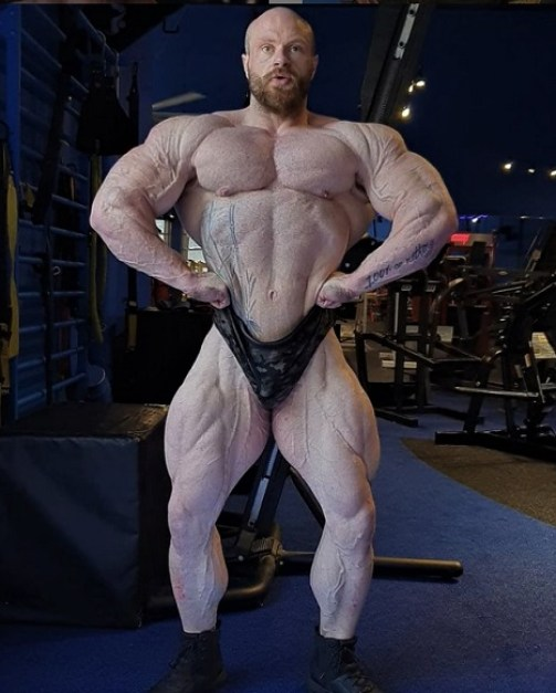 James Hollingshead before 2021 Olympia