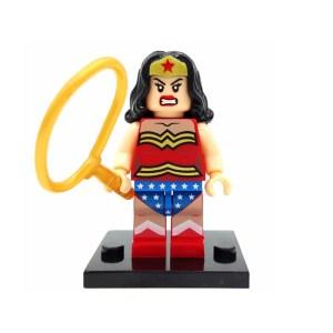 Block Minifigure Wonder Woman