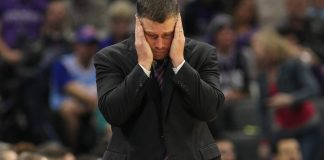 Nov 18, 2016; Sacramento, CA, USA; Sacramento Kings head coach David Joerger reacts to a play during the second half against the Los Angeles Clippers at Golden 1 Center. The Clippers defeated the Kings 121-115. Mandatory Credit: Sergio Estrada-USA TODAY Sports