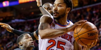 Oct 25, 2016; Cleveland, OH, USA; New York Knicks guard Derrick Rose (25) looks to pass in the second half against the Cleveland Cavaliers at Quicken Loans Arena. Cleveland won 117-88. Mandatory Credit: Rick Osentoski-USA TODAY Sports