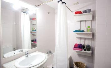 5 cosas de decoración de baños que están absolutamente pasadas de moda