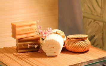 Consejos para mantener las toallas secas dentro del baño y evitar la humedad
