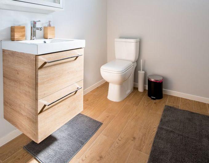 tipo de madera para baño