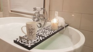 Patterned black Bath Rack With Silver Handles