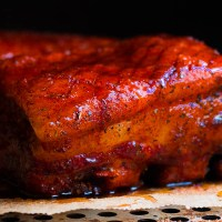 Low and slow buikspek met kaffir beer glaze