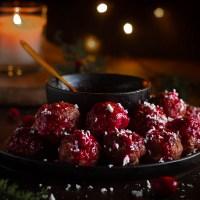 Duck meatballs - eendenballetjes met veenbessensaus
