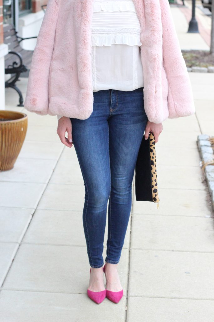 Valentine's Day Date Night Outfit | #valentinesideas #outfitideas #valentinesday #valentines