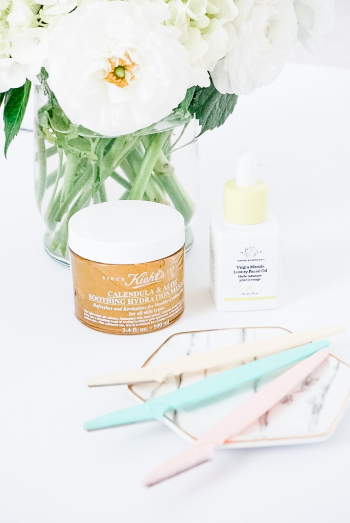 DERMAPLANING 101 | HOW TO SHAVE YOUR FACE - This video shows how to dermaplane at home. It is a fast, easy & cost effective skin treatment that will exfoliate your skin and have you looking more youthful. #dermaplaning #diydermaplaning #howto #athome #benefits