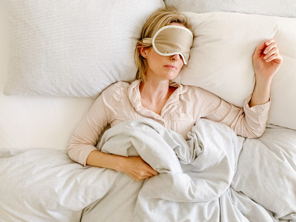 HOW TO GET A GOOD NIGHT'S SLEEP | I am sharing my best tips and favorite products for your bedroom for how to get a good night's sleep.