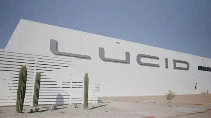 Tesla competitor Lucid Motors just completed its first factory in Arizona where it plans to build 400,000 EVs a year