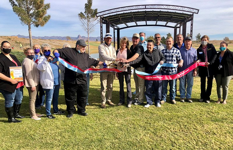 Los Lagos Ribbon Cutting