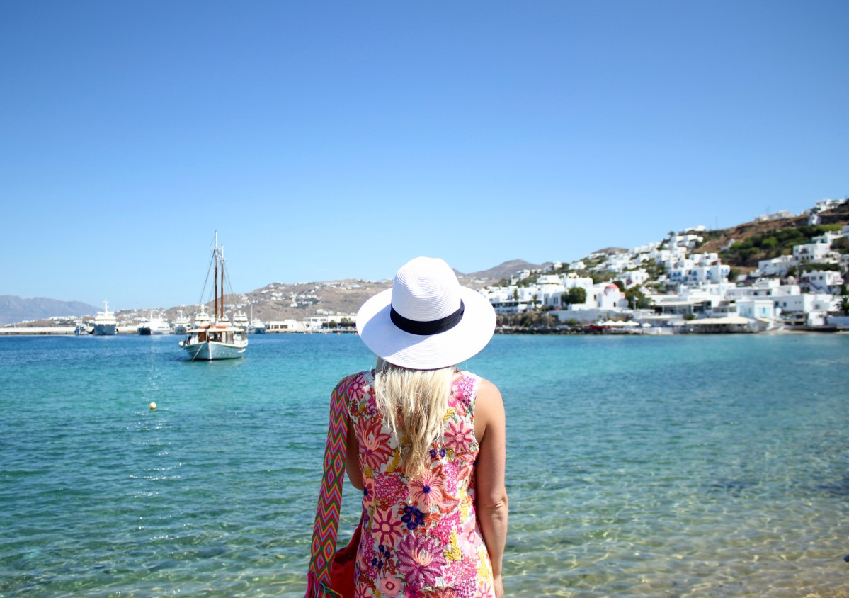 THE ISLAND THAT NEVER SLEEPS : MYKONOS GUIDE