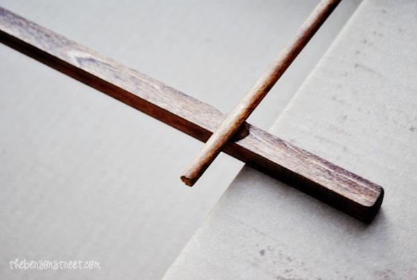 DIY Ladder Frame at www.thebensonstreet.com