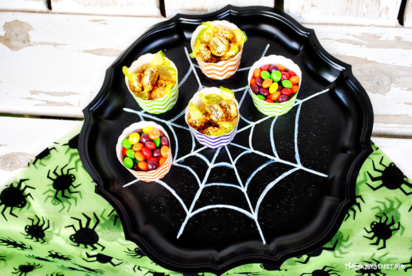 Quick Halloween Serving Tray at thebensonstreet.com