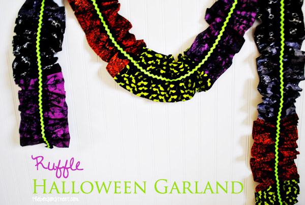 Ruffled Halloween Garland at thebensonstreet.com