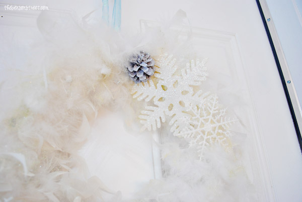 Pinecone and Snowflake Wreath at thebensonstreet.com