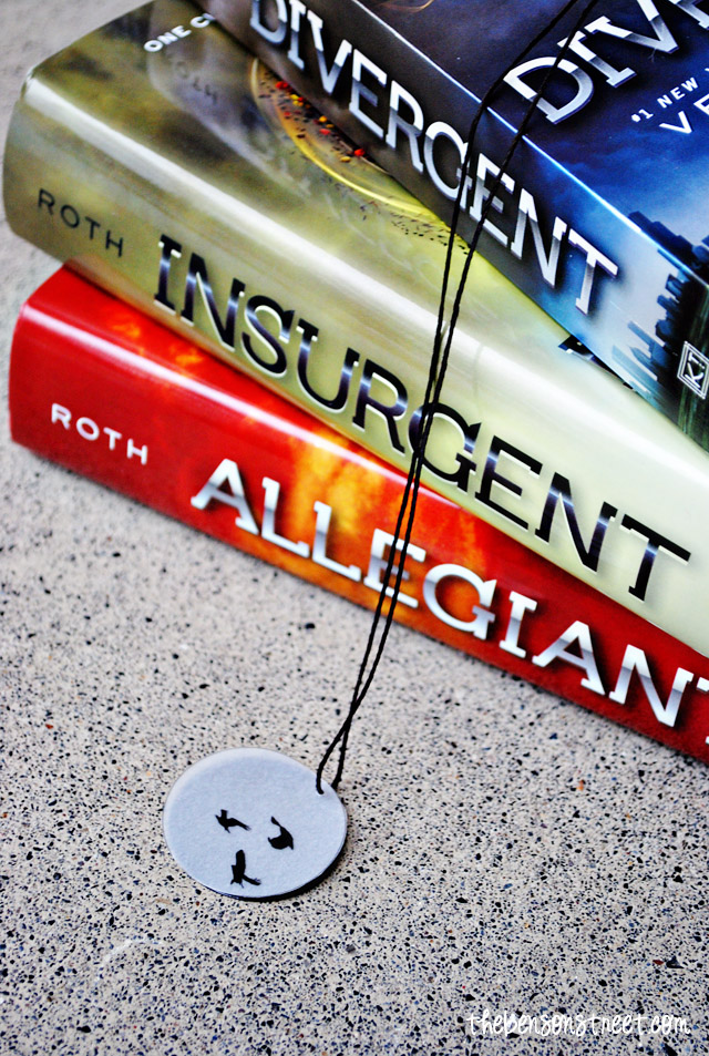 Three Birds Divergent Necklace at thebensonstreet.com