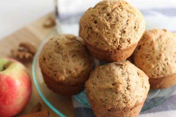 cinnamon-applesauce-muffin-recipe-27-580x386