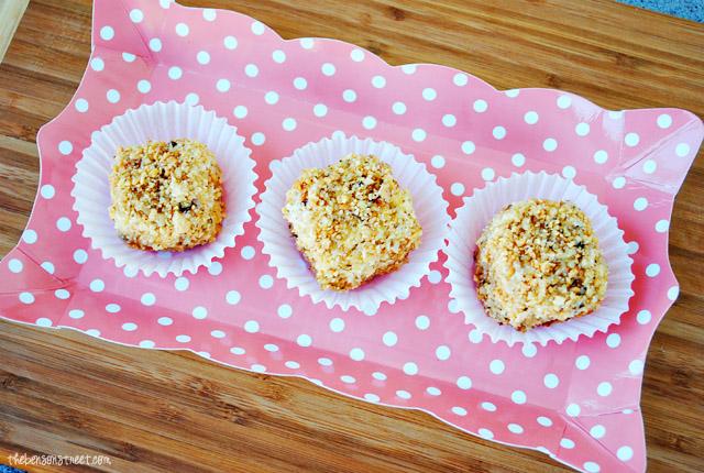 Mini Fancy Party Cakes at thebensonstreet.com