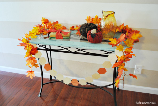 Easy Thankful Garland Activity at thebensonstreet.com