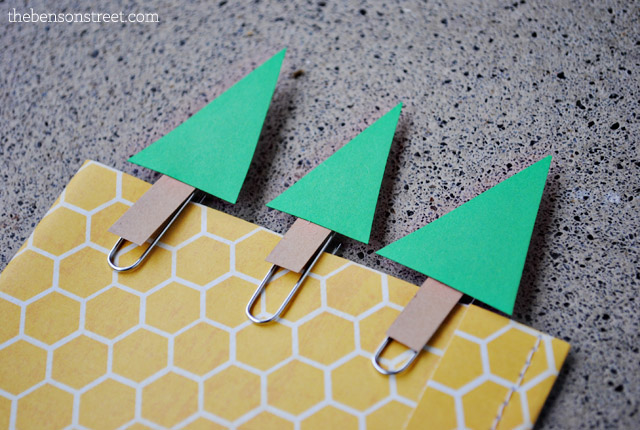 Create your own Christmas Tree Paper Clips at thebensonstreet.com