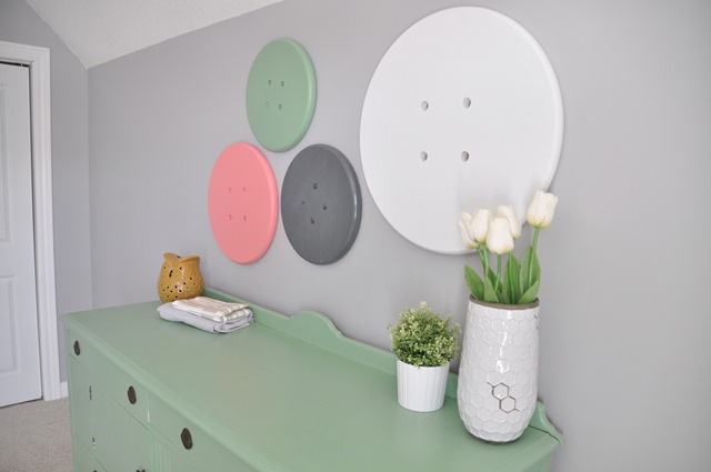 Craft Room Button Wall Art_thumb[2]