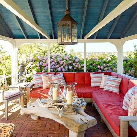 nantucket-summer-porch-decor