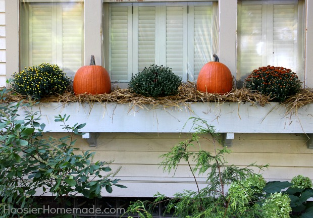 Fall-Front-Porch-Decorating.4
