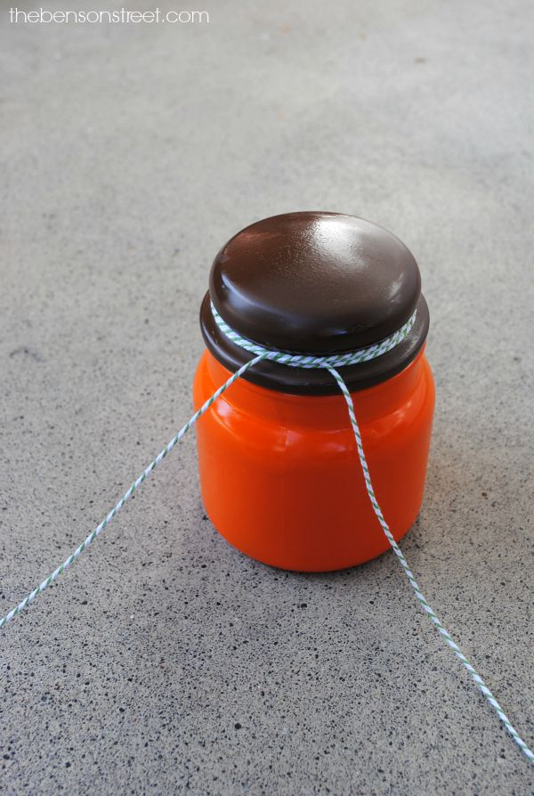 Adorable Pumpkin Jar Craft at thebensonstreet.com