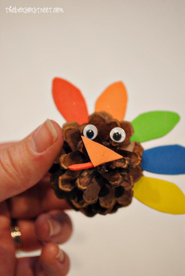 Pinecone-Turkey-Craft-at-thebensonstreet.com_