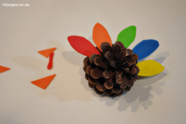 Pinecone-Turkey-Kid-Craft-at-thebensonstreet.com_