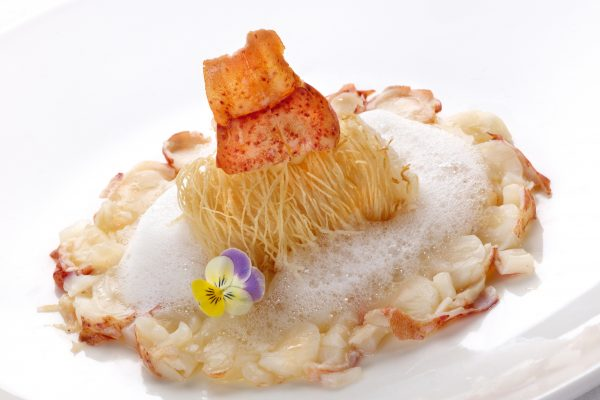 jagdhof_warm-lobster-carpaccio-with-a-baked-scallop-in-kataifi-pastry-and-lemon-verbena