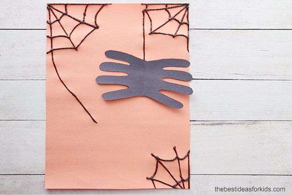 Glue on Spider Handprint