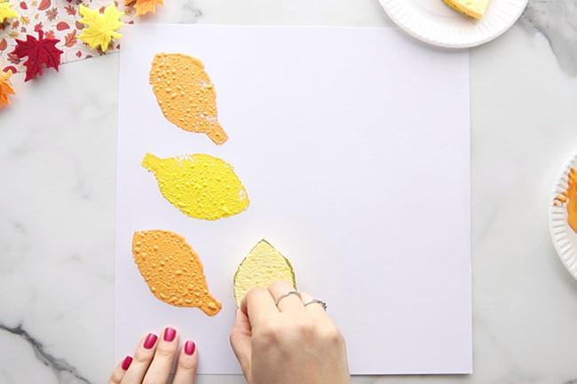 Stamp Leaf Sponge on Paper
