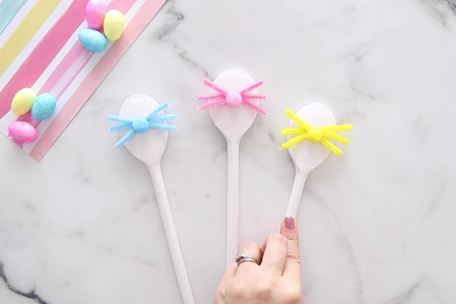 Glue Pom Pom to Spoon