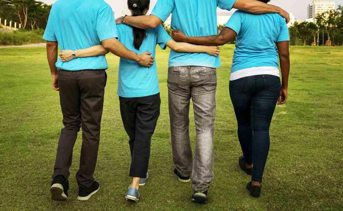 volunteer abroad free or volunteer in america