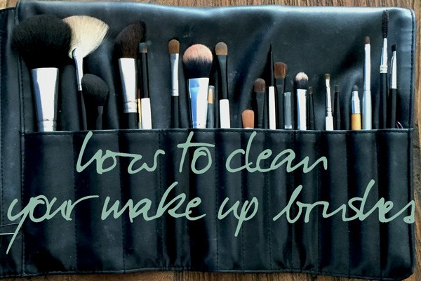 clean make up brushes