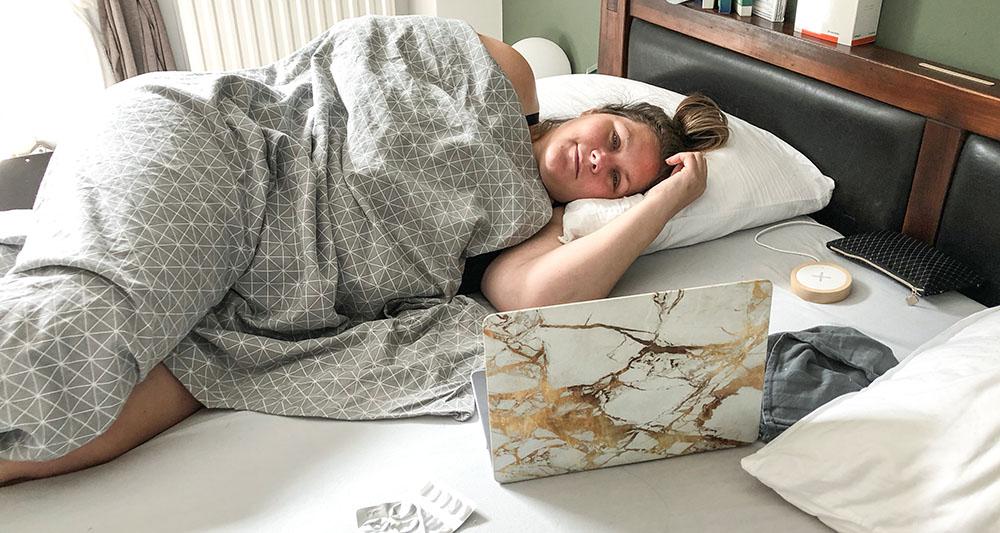 hernia in bed