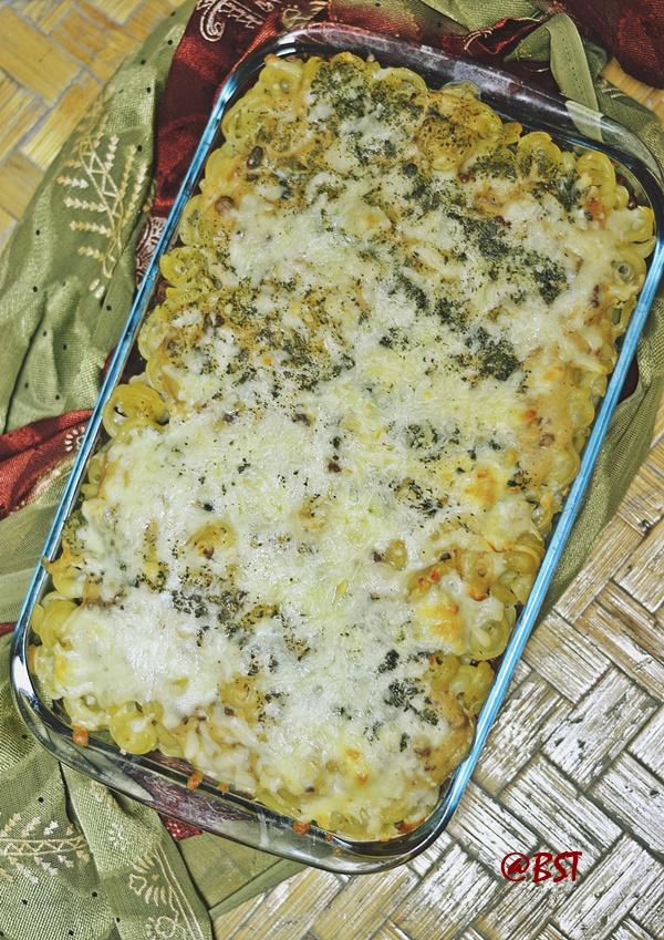 Macarona Bel Bechamel ~ Egyptian Macaroni with Bechamel