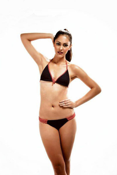 Kimberley Leggett hot bikini pic