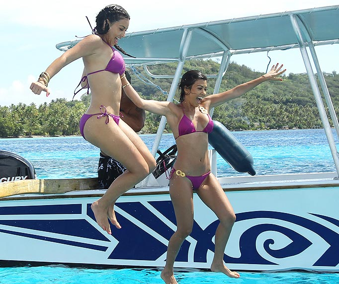 Kim and Kourtney Kardashian -1