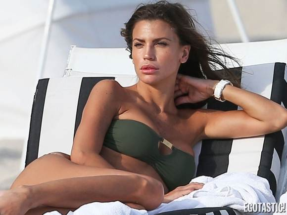 Featured-Claudia Galanti-Bandeau-Thong-Bikini