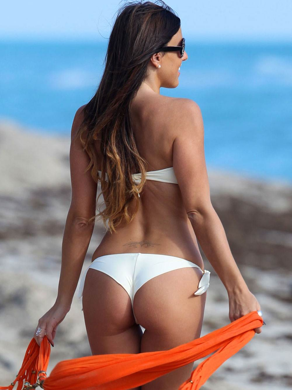 CLAUDIA ROMANI -Sexy White Thong Bikini