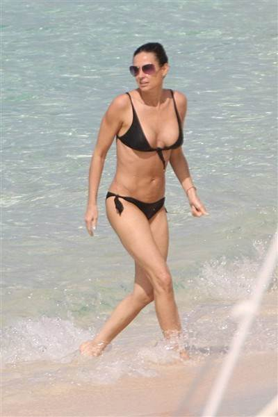 Bikini Bodies over 40 Demi Moore age 49