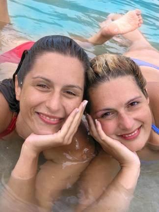 Diana Brazeau with friend Sara in Mexico